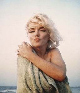 Marilyn-Monroe-marilyn-monroe-30054070-1024-1196